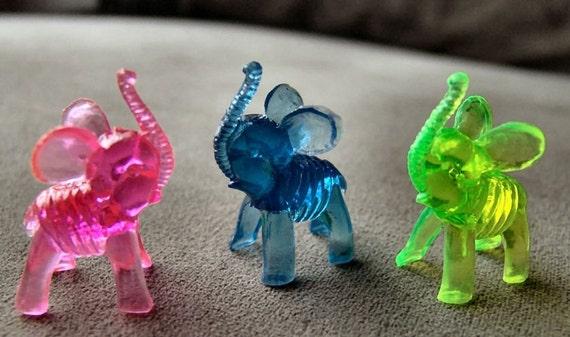 Vintage 1960s-70s Crystal Pet Carnival Figurine ELEPHANT