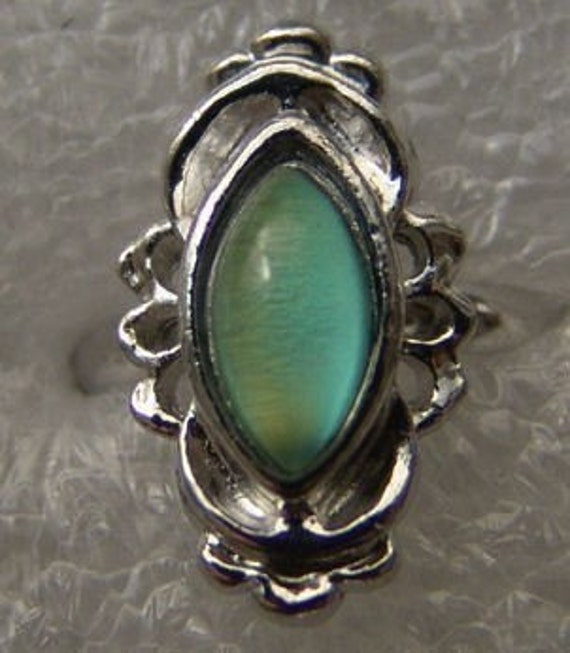 Vintage 1960-70's Fancy Mood Ring 209 Marguise