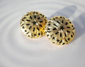 Vintage Earrings Filigree Black Gold Clip Ons