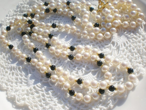 Vintage Pearl Necklace Two Strand Black and Gold Reclaimed