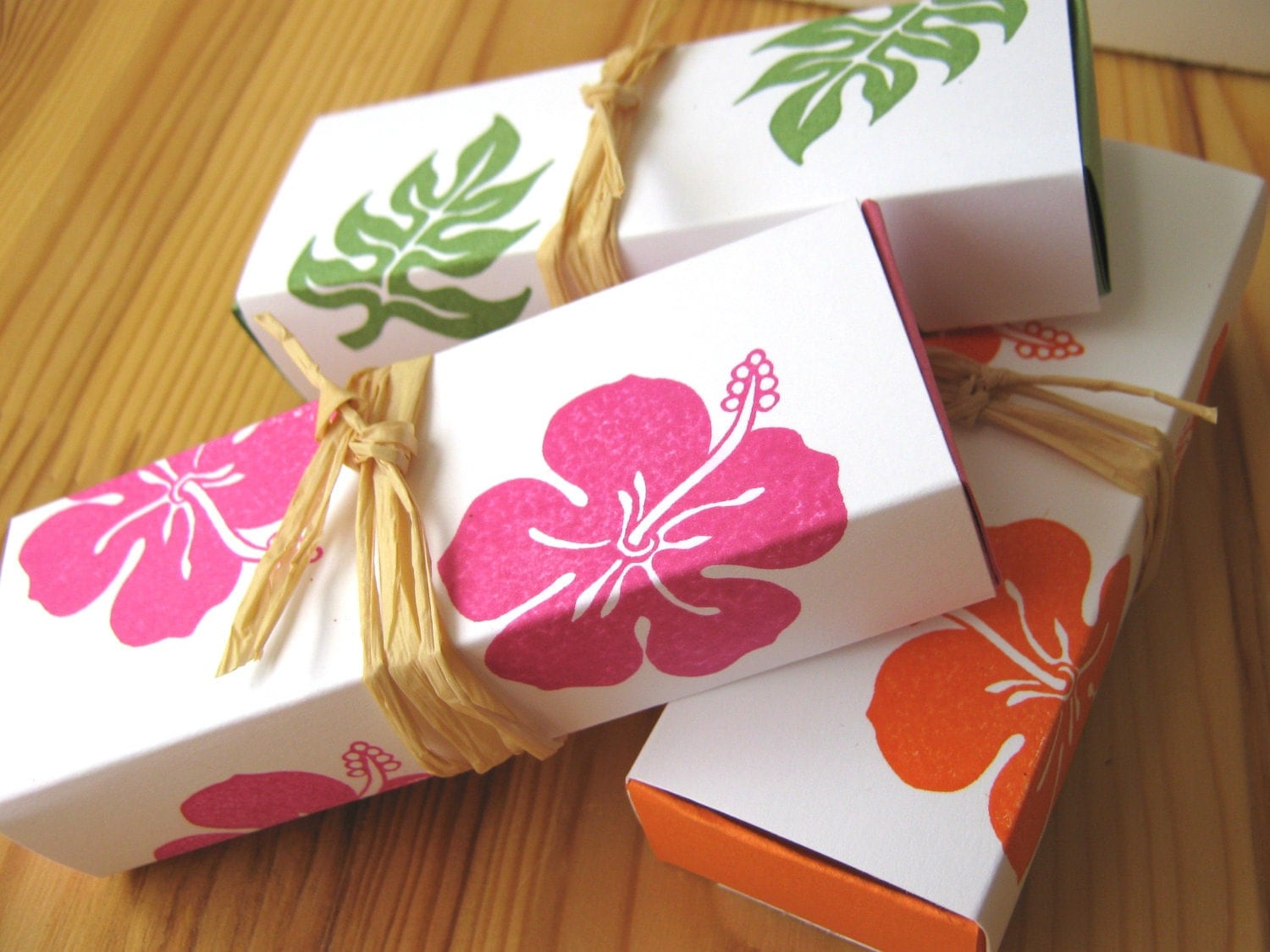 In Style Party Favors: Tropical Hibiscus Island Style Wedding Favor Boxes Hawaii