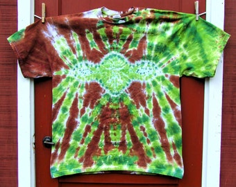 Youth Tie Dye Tshirt - Master Yoda - Star Wars - Order in your size - Made to Order