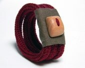 Knitted bracelet, wool yarn and fabric, maroon red - TRE - Ready to ship