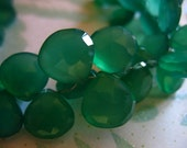 Shop Sale.. CHALCEDONY Briolettes Beads, Heart, Luxe AAA, Set of 10 Bulk, 10-11 mm, Large Emerald Kelly Green brides bridal - FabulousRocks