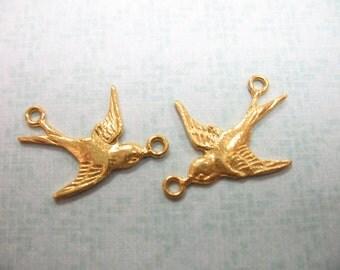 Shop Sale..2 4 10 pcs, 24k Gold Vermeil SWALLOW Sparrow Link Connectors Pendants Charm, 19.5x15 mm, Right n Left, organic nature 18 art solo