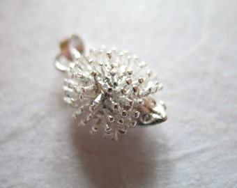 10 25 50 pcs, HEDGEHOG Hedge Hog Charms Pendants, 13x11x7 mm, Silver Plated, wholesale critter nature animal solo