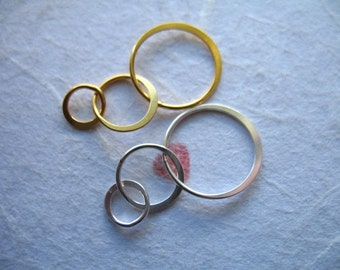 Shop Sale,.  2 pcs, 24k Gold Vermeil or Sterling Silver Circle Links Connectors, TRIPLE Three Linked CIRCLES, 25x13.5 mm, wholesale art