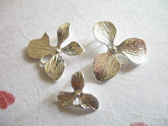 Shop Sale..ORCHID  Connectors Links Pendants Charms, 10 pcs Bulk, mix and match.. S, M, or L Silver or Gold  floral brides bridal hp