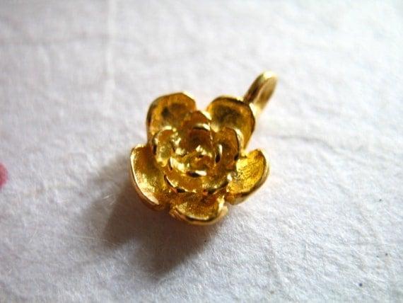 1 pc, Gold Rose Charms Pendants, 24k Gold Vermeil ROSE FLOWER, 12.5X9 mm, 3d artisan organic nature floral brides bridal wholesale findings