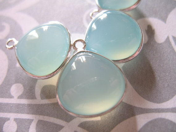 10% Off Sale ..Gemstone Connectors Pendants, CHALCEDONY Heart, Petite, Luxe AAA, 1 pc, 16x13.5 mm, Sterling Silver Seafoam Green p200 hp