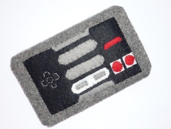 Iphone Ipod Pouch Cozy Case of NES Nintendo Entertainment System Control Pad