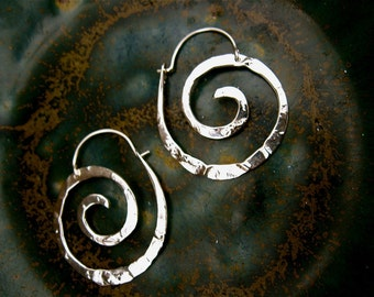 Small Sterling Nautilus Swirl Hoop - E025-S