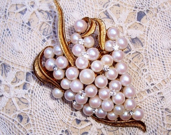 Vintage Brooch or Pendant with Pearls and Rhinestones