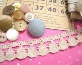 sale - Vintage antique-white lace - bulk lot - (approx 15 yards) - BEAUTIFUL lace trim