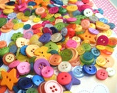 Bulk Grab bag of 200 cheery 'Kindergarten Mix' Buttons - great variety including novelty shapes...