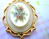 Pretty Rose cameo Brooch / Pin and Pendant
