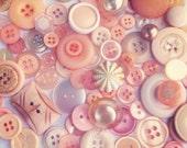 Buttons - PEACHES n CREAM vintage button mix - 25 buttons