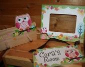 3 Piece Gift Set - Owls Love Birdies Girls 5x7 Photo Picture Frame, Clothespeg Rack and Door Sign