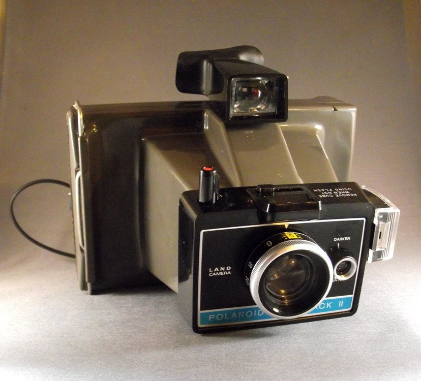 1970 39 s polaroid camera the colorpack ii with carrying. Black Bedroom Furniture Sets. Home Design Ideas