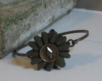 vintage green flower bangle bracelet