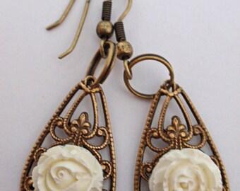 Antiqued Rose Cabochon Filigree Earrings  (E025)