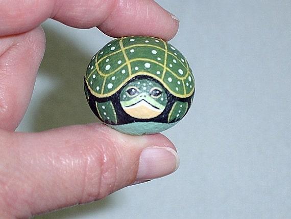 Spotted turtle painted rock amphibian spring garden decor for Sassi per tartarughe