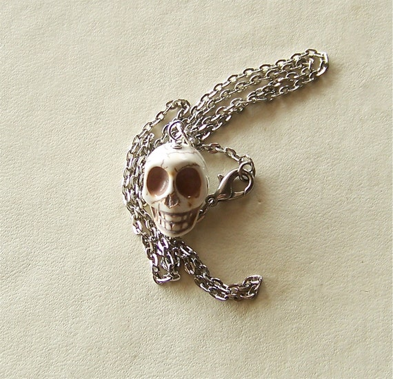 skull necklace, pendant, Day of the Dead