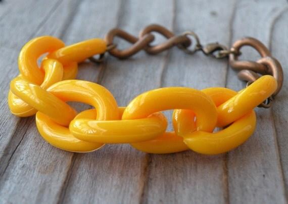 CIJ Sale 30% Off - Plastic Link Mustard Bracelet, Vintage, Chunky Bracelet, Vintage Chain