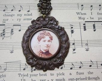 Vintage Aunt Millie Cameo Necklace