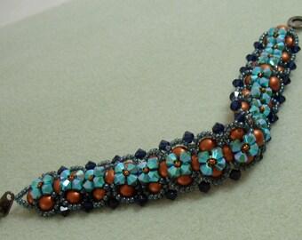 X's and O's Pearl and Swarovski Crystal Bracelet