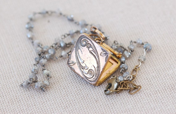 Romantic Vintage Gold Locket circa 1900