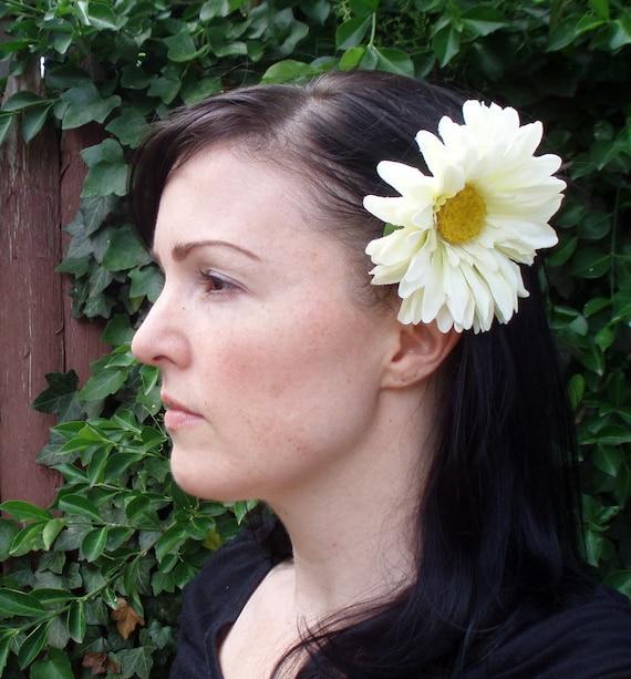 White Gerber Daisy Hair Clip