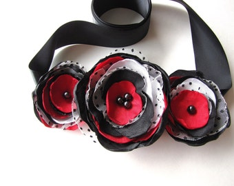 Bridal belt sash with handmade fabric flowers- CLASSIC WEDDING (Black- White- Red)