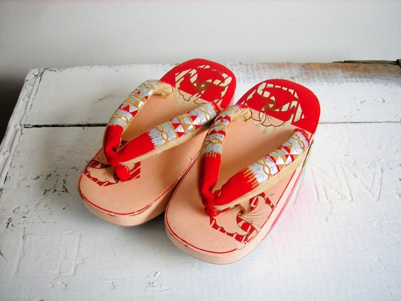 Vintage Baby Girl Geta Japanese Wooden Clog Shoes In Pink And