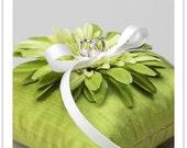 GARBERA BLOOM - green daisy garbera flower wedding ring pillow