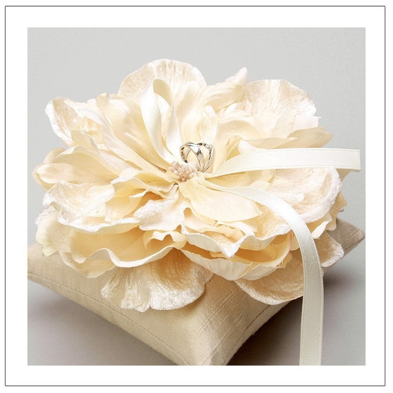 VERA series - pale gold bloom wedding ring pillow
