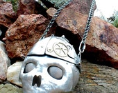 Skull Purse 3.0 with steampunk detail