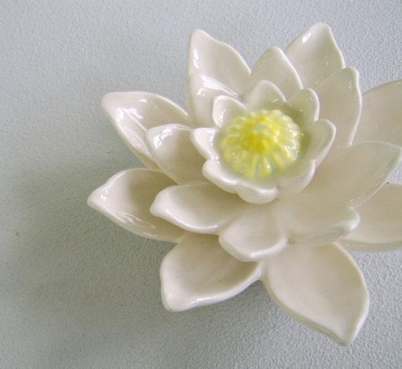 Vintage Ceramic Water Lilly Figurine