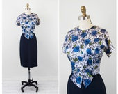 50s 60s dress / blue floral dress / Blue and Green Roses Wiggle Dress with Origami Bow