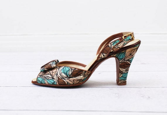 vintage 1950s 50s shoes // Teal, Brown, and Cream Pinup Heels with Large Bows