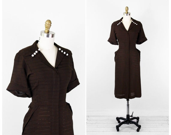 1940s dress / 40s plus size dress / Brown Wartime Art Deco Dress with Pockets