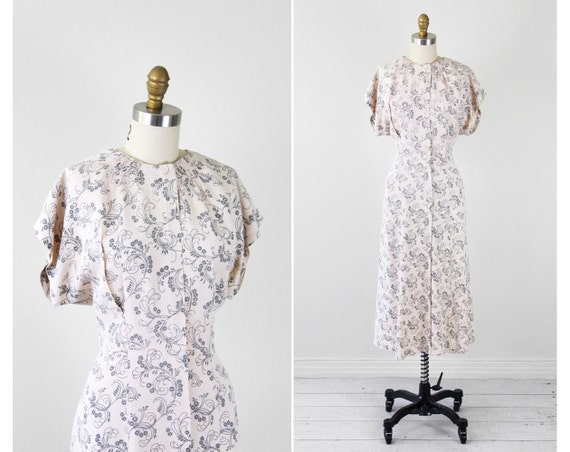 vintage 1940s dress / 40s dress / Pale Cream Day Dress with Grey Art Deco Design
