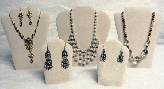 5pc Beige Necklace/Earrings Jewelry Holder Display Set