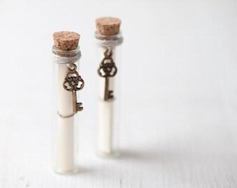 Secret Message in a bottle with bronze Skeleton key, Love letter bottle, Secret message card, Beach wedding - Bridesmaid proposal - Set of 2