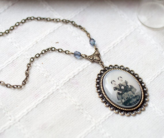Cameo Necklace - Victorian necklace - Gothic necklace - Ghost Siamese twins girls necklace - Old Photo pendant - Retro necklace  (N057)