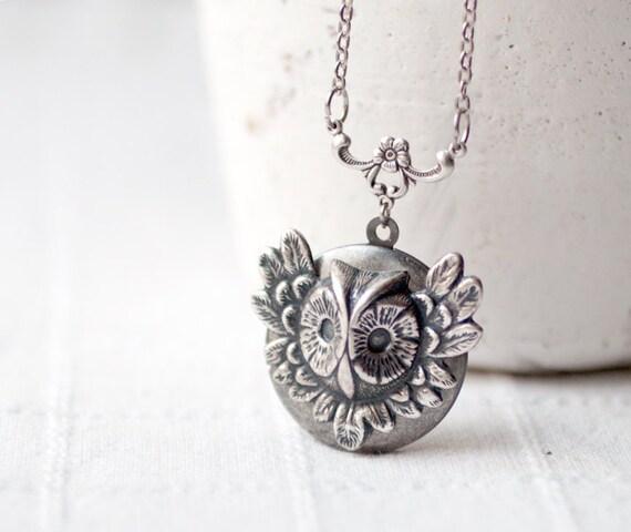 Silver Owl locket  - Steampunk locket - Winter jewelry - Owl jewelry (L014)