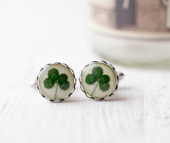 Four leaf clover cufflinks - St patrick leaf - Shamrock cufflinks - Saint patricks day - Green shamrock - Luck cufflinks  (C008)
