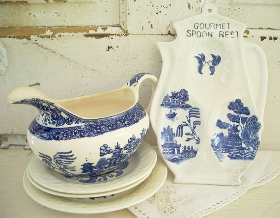 Vintage Blue and White Blue Willow Spoon Rest