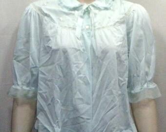 Vintage Nylon Bed Jacket Pastel Green Large Embroidered Flowers