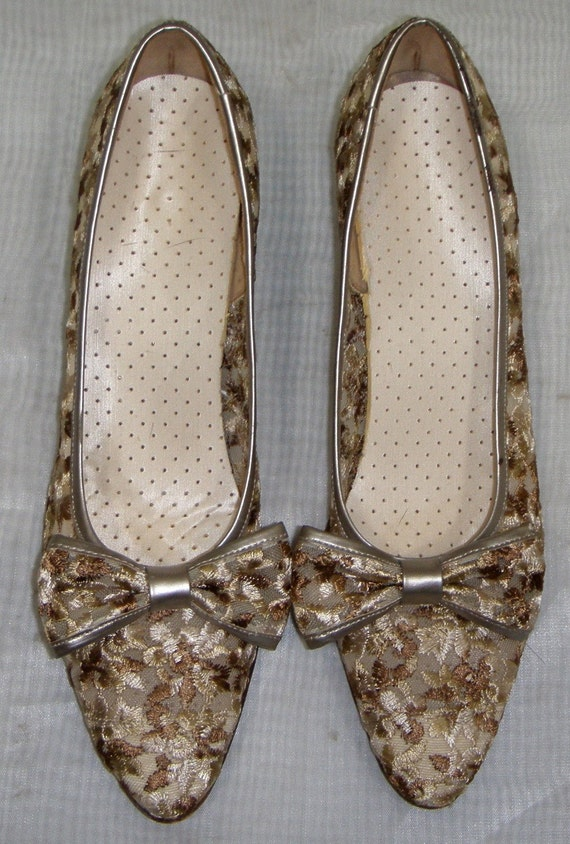Vintage 1950's Paradise Kittens Embroidered Mesh Shoes Heels Pumps 7AAA